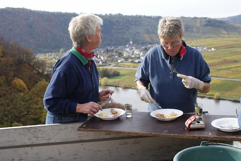 2008-10-26 Traubenlese letzter Tag im Wintricher Simonsberg-18